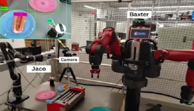 Robô alimentado por IA prepara e serve cachorros-quentes