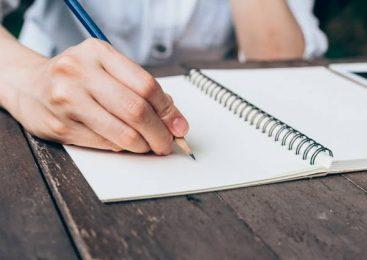 Aplicativo permite criar capas de caderno personalizadas