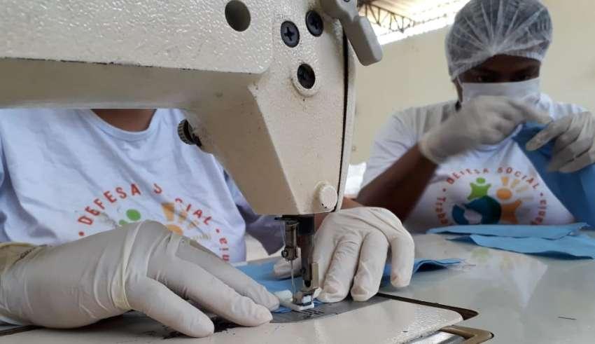 Coronavírus: presos vão produzir 22 mil máscaras de proteção em MG