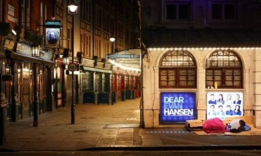 Coronavírus: quartos de hotéis são oferecidos para moradores de rua em Londres