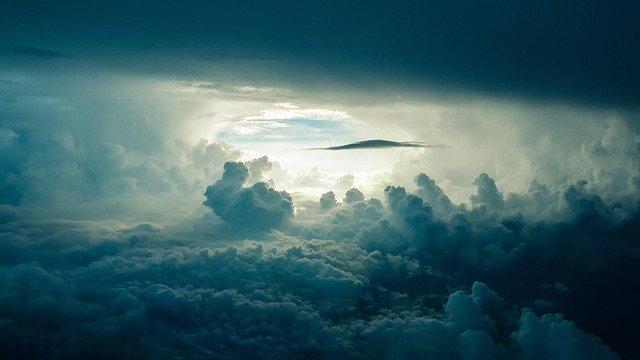Barulho estranho no céu assusta o Brasil e o mundo
