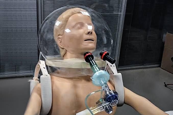 USP cria capacete que trata e previni covid-19 nos hospitais
