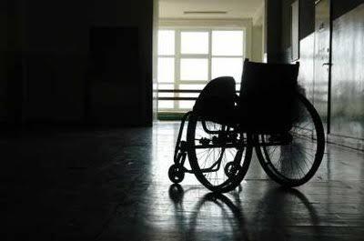 Cientistas criam terapia inovadora que fez homem voltar a andar
