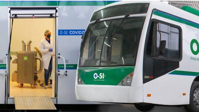 Estudante da USP cria clínica em ônibus para vacinar contra Covid-19